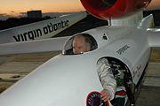 180px-steve_fossett_in_globalflyer_cockpit_1.jpg
